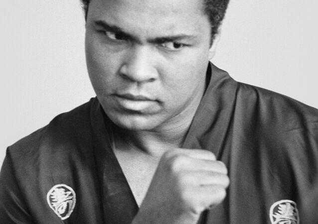 الملاكم الأميركي الشهير محمد علي