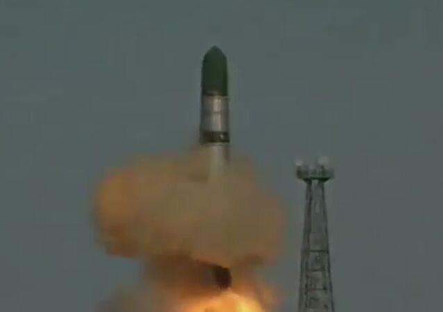 صاروخ الشيطان الروسي