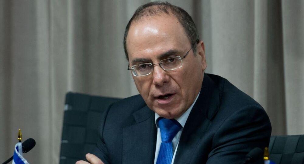 وزير الداخلية وأحد أقطاب حزب الليكود الحاكم سيلفان شالوم