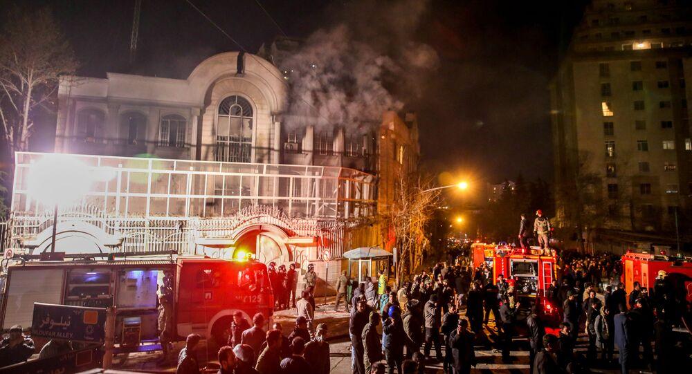 إيرانيون يحتجون على إعدام نمر النمر في السعودية