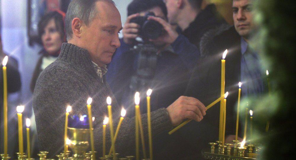 روسيا تحتفل بعيد الميلاد المجيد