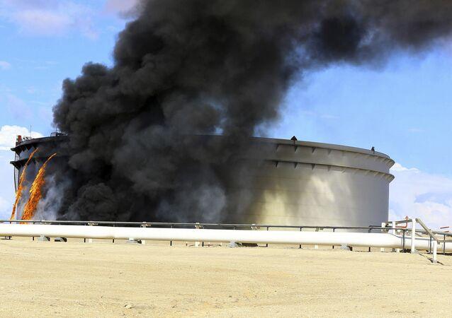 حرائق بخزانات النفط الليبية