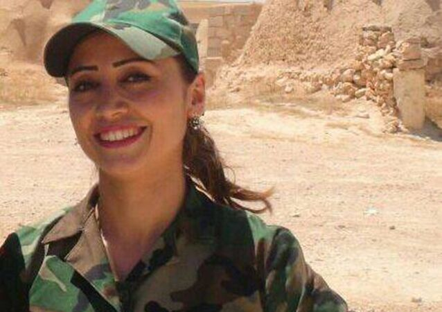 مقاتلة سورية