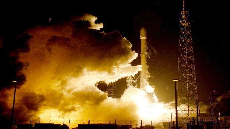صاروخ  فالكون 9 الأمريكي
