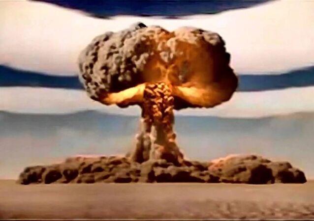 القنبلة النووية