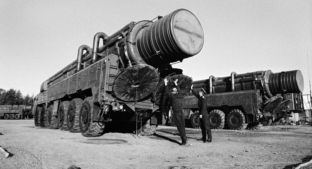 صواريخ إر إس دي-10
