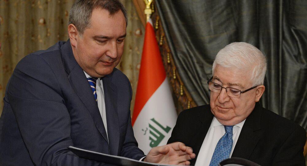 نائب رئيس الحكومة الروسية دميتري روغوزين خلال لقاء مع الرئيس العراقي فؤاد معصوم
