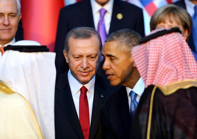 الرئيس التركي والأمريكي والملك السعودي