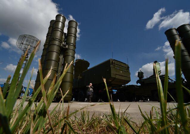 صواريخ الدفاع الجوى إس - 300