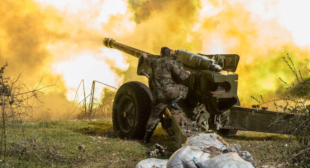 الجيش العربي السوري يطلقون النار على مواقع الإرهابيين في شمال شرق محافظة إدلب.
