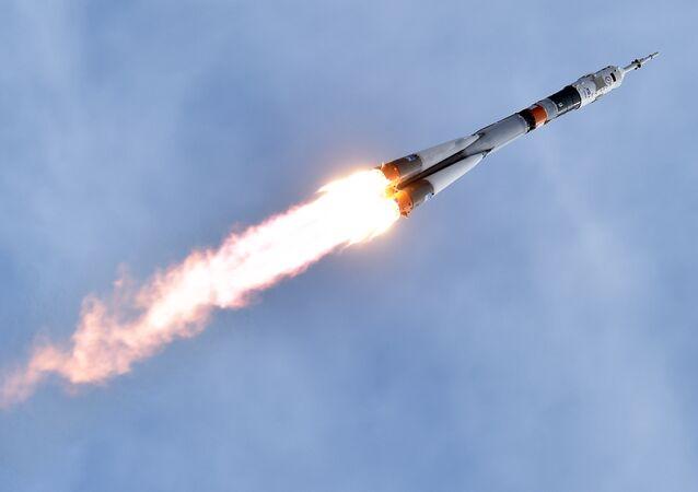 انطلاق مركبة سيوز تي إم أ-18إم الفضائية