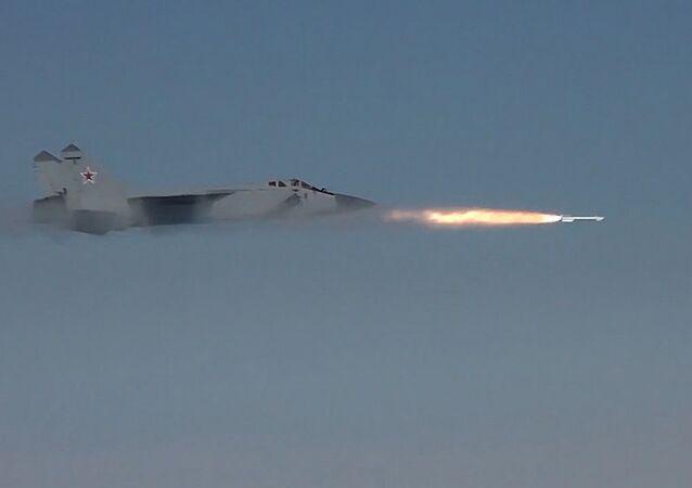 لحظة تصدي المقاتلات الروسية هجوما لصواريخ كروز