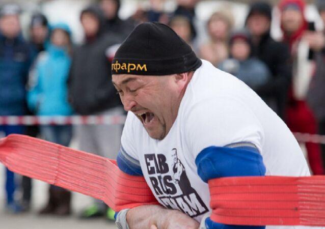 أقوى رجل في روسيا