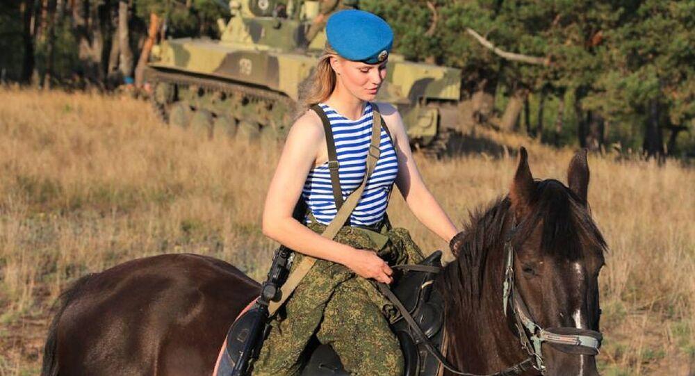 روعة مجندات القوات الروسية المحمولة جواً