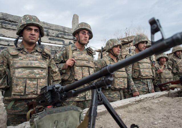 حرب بين أذربيجان وأرمينيا