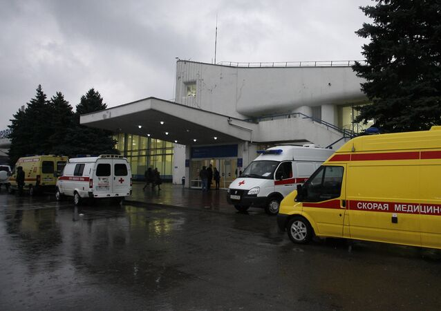 سيارات إسعاف في مطار روستوف