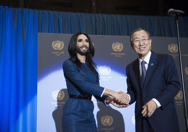 بان كي مون يستقبل كونتشيتا يورست في الأمم المتحدة