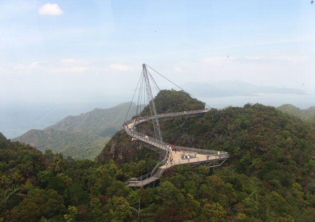جسر لانكاوي سكاي في ماليزيا.