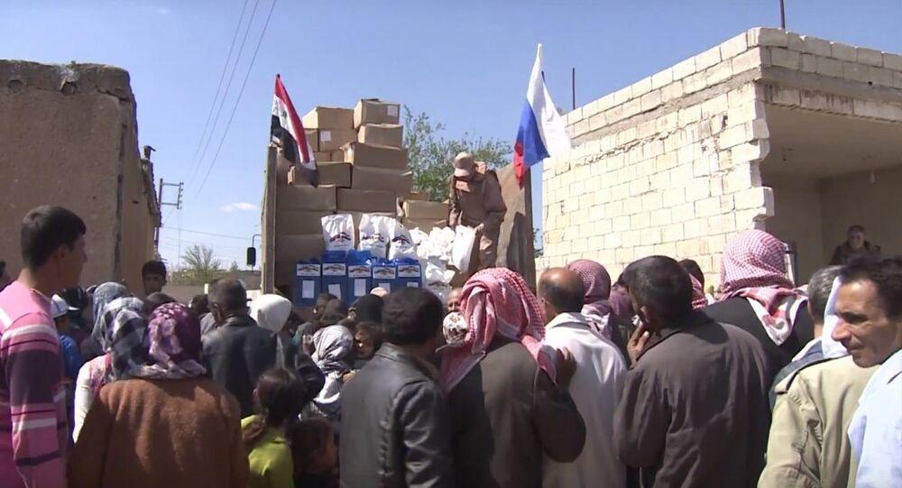 العسكريون الروس يوصلون المساعدات الإنسانية