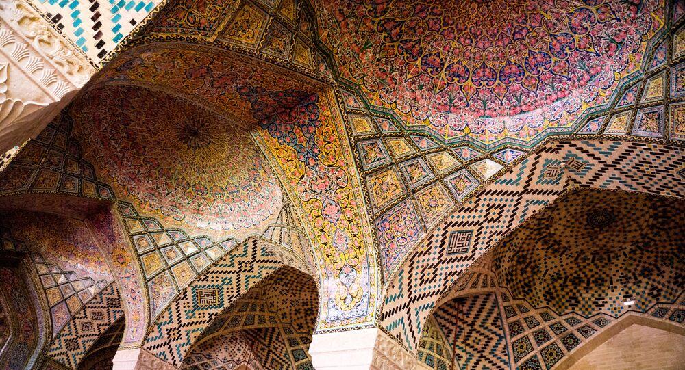 جامع نصير الملك بمدينة شيراز في إيران.