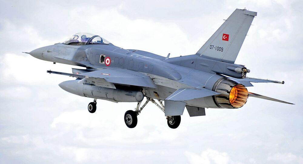 مقاتلة تركية من طراز اف-16
