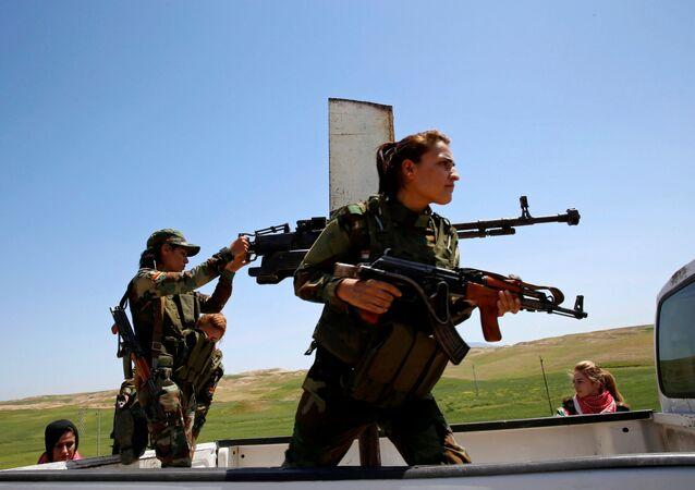 المحاربات الكرديات على خطوط المواجهة مع العدو في الموصل