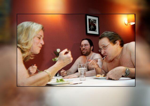مطعم للعراة