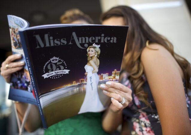 متفرجون في مسابقة ملكة جمال أمريكا