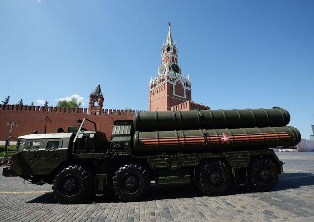 صواريخ الدفاع الجوي إس - 400