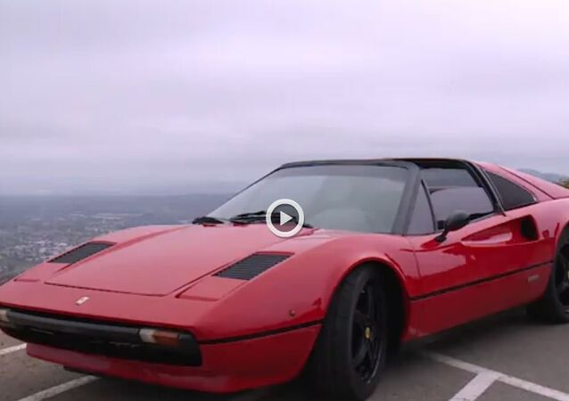 كيف تطورت أول سيارة فيراري في التاريخ أتوماتيكياً؟