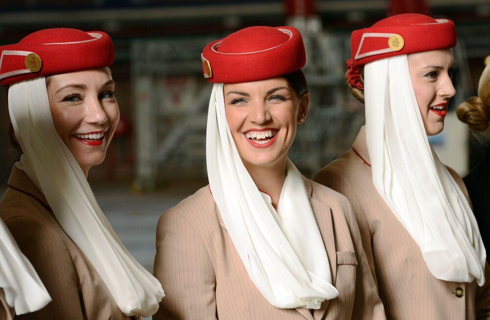 مضيفات شركة الطيران الإماراتية Emirates airline