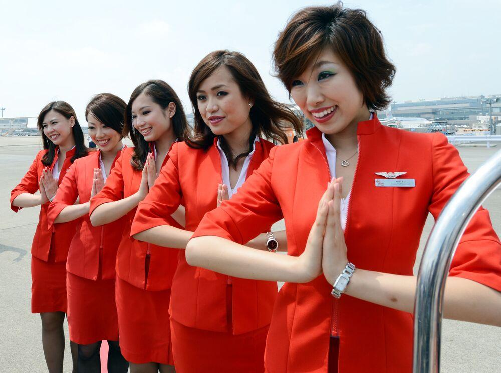 مضيفات الطيران الياباني Air Asia Japan