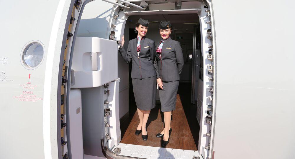 مضيفات الطيران القطري Qatar Airways