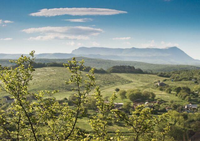 جبل شاتير-داغ وقرية كلينكوفا