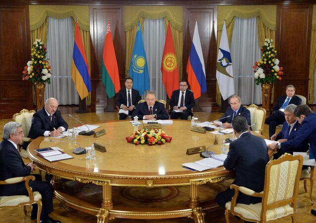اجتماع قمة بيم رؤساء دول الاتحاد الاقتصادي الأوراسي في أستانا