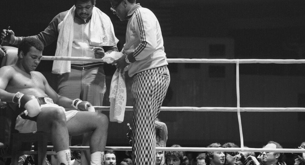 الملاكم الأسطوري محمد علي
