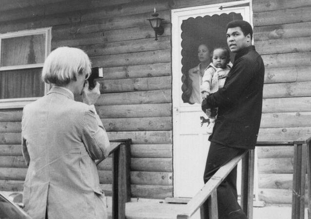 محمد علي مع ابنته حنا