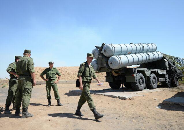 قاذف صواريخ إس-300بي إس
