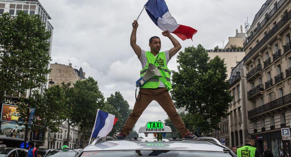 المتظاهرون يخرجون إلى شوارع باريس احتجاجاً على التغير والإصلاح في قانون العمل