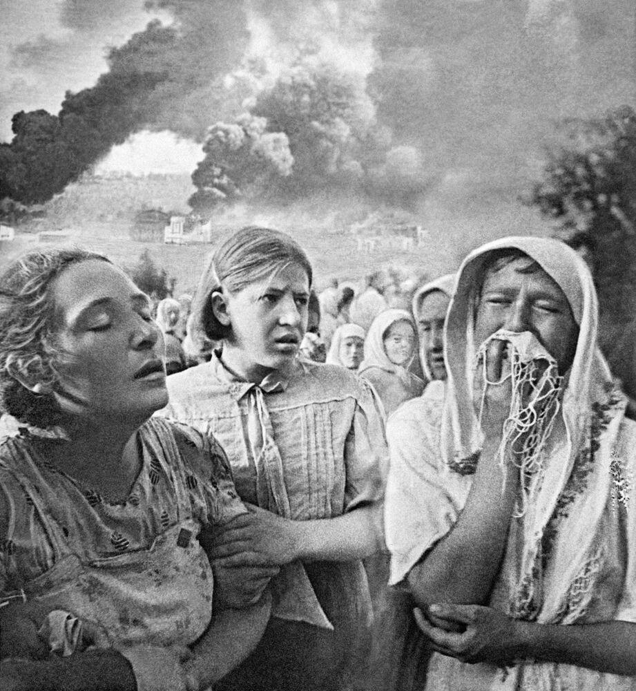 أول أيام الحرب الوطنية العظمى (1941-1945) في مدينة كييف بحي غروشكي، 23 يونيو/ حزيران 1941.