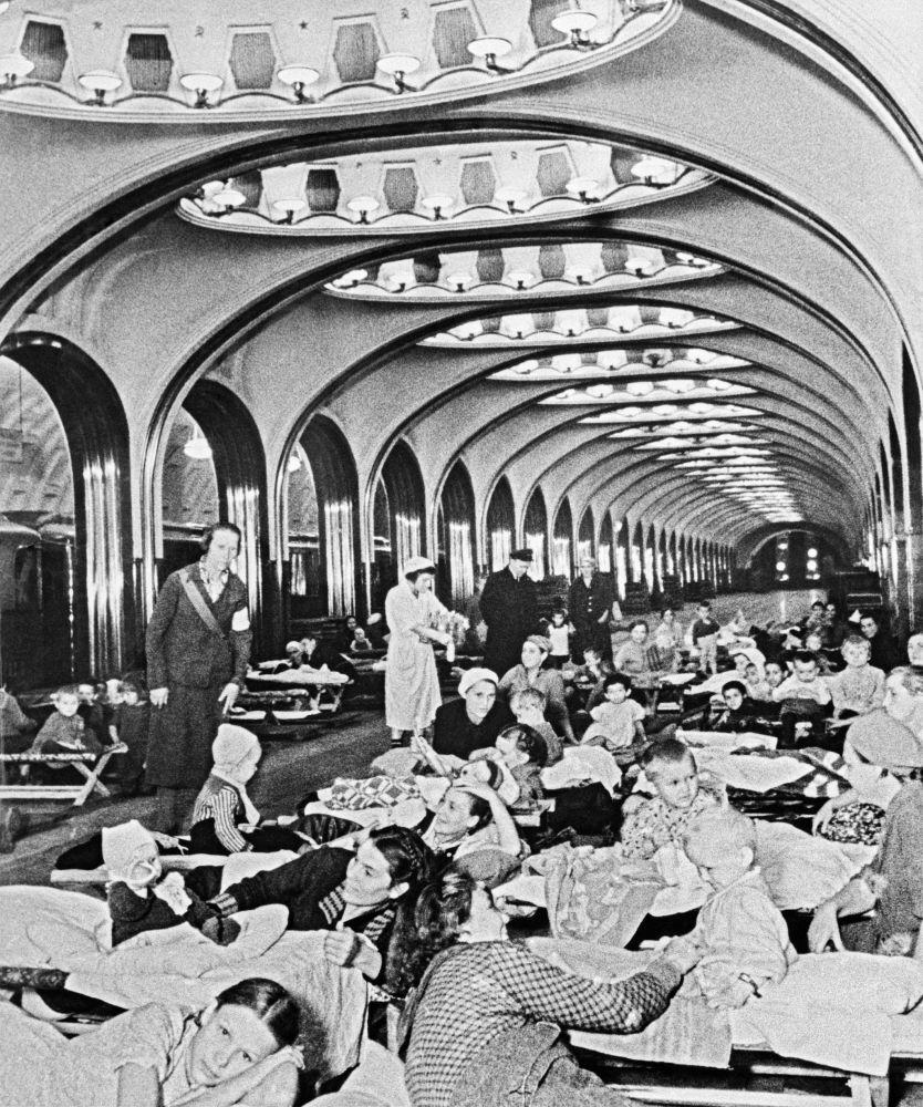 مخبأ لسكان موسكو خلال الحرب العالمية الثانية
