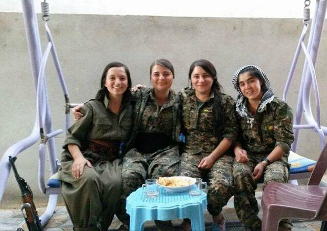 فتيات إيزيديات ينتقمن من داعش للمجزرة الإيزيدية