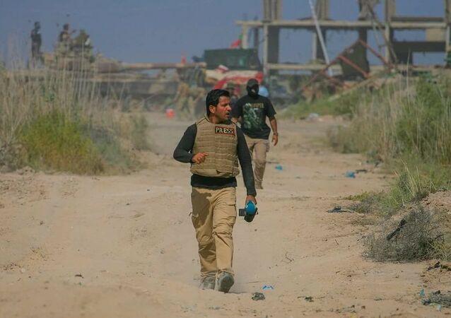 الإعلامي العراقي علي جواد
