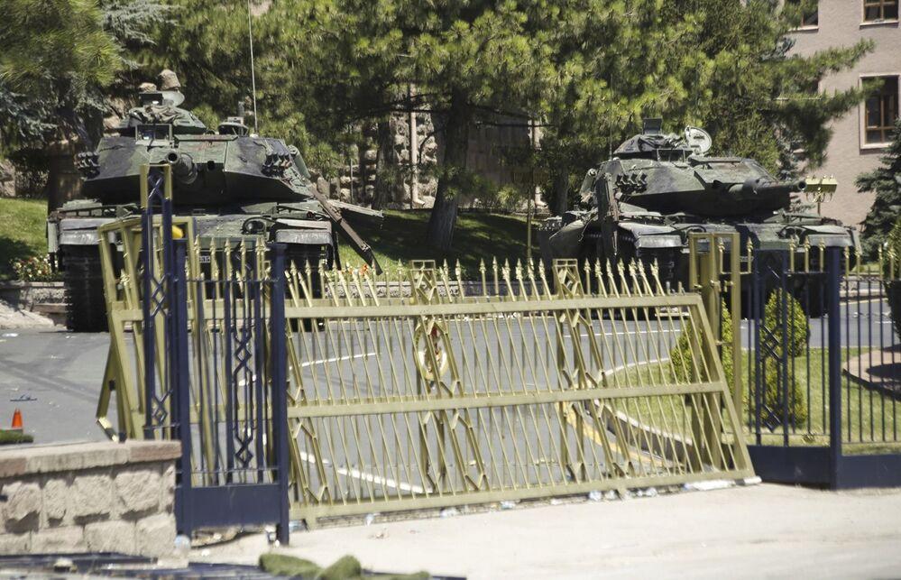 الدبابات في أنقرة