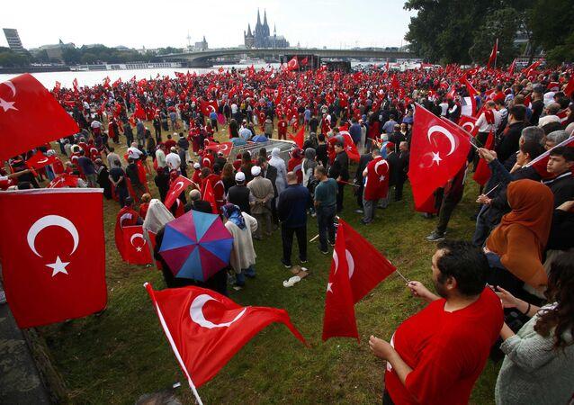 تظاهرة لأنصار الرئيس التركي بمدينة كولونيا الألمانية