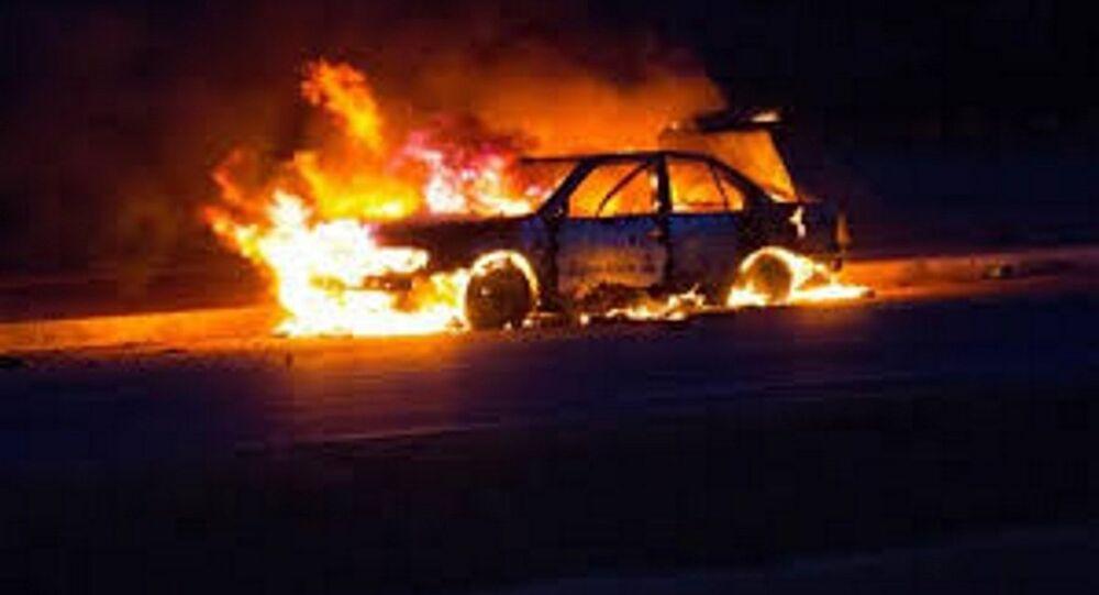 سيارة تحترق