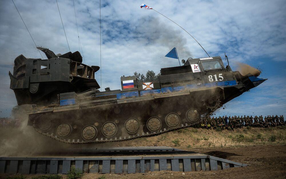 الألعاب العسكرية الدولية - فرقة المدرعة الروسية ام.د.ك-3