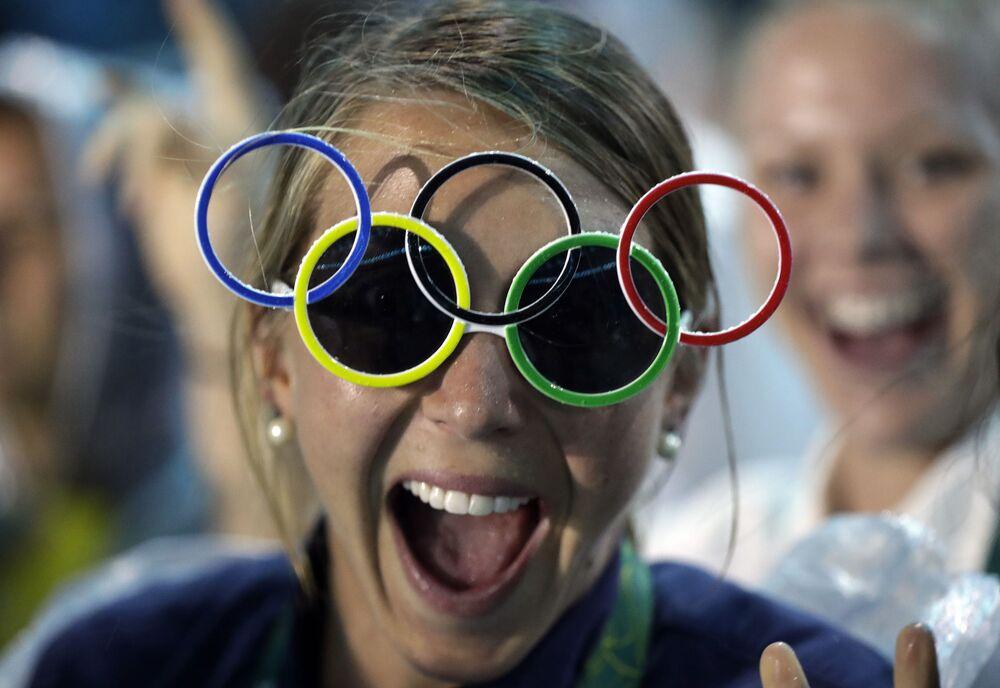 وداعاً ريو 2016 - الرياضية الأمريكية جاكي بريغز في استاد ماراكانا خلال مراسم انتهاء الألعاب الأولمبية الصيفية الـ 31 في ريو دي جانيرو، 21 أغسطس/ آب 2016