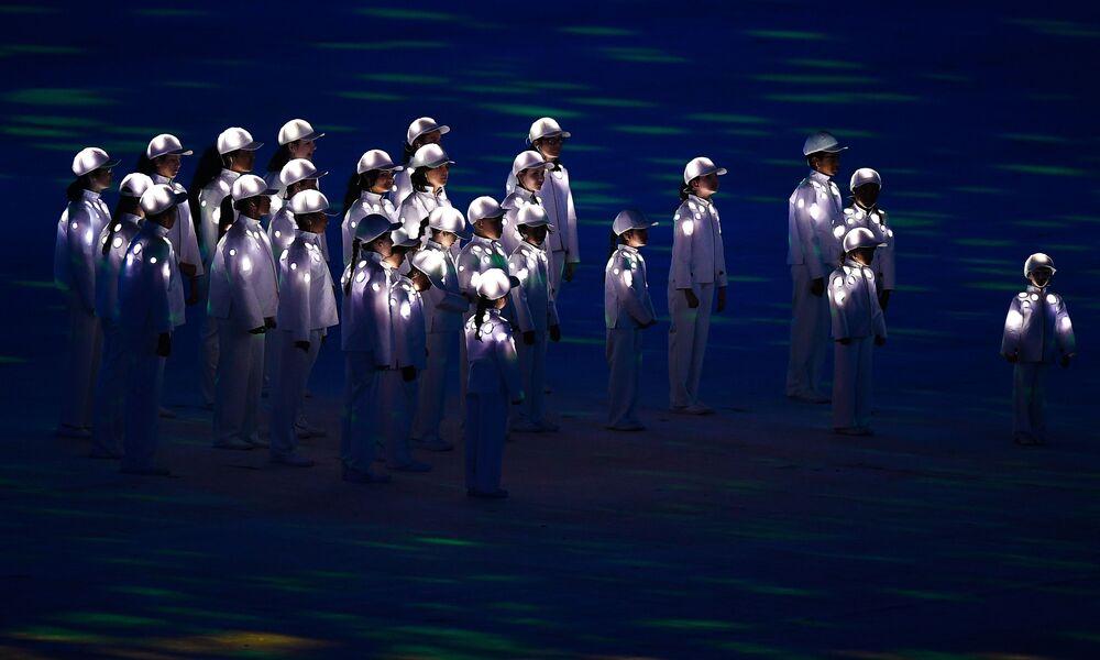 وداعاً ريو 2016 - فنانون خلال أداء مسرحي في استاد ماراكانا خلال مراسم انتهاء الألعاب الأولمبية الصيفية الـ 31 في ريو دي جانيرو، 21 أغسطس/ آب 2016