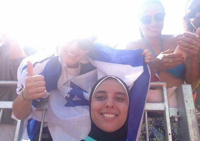 صورة تجمع دعاء الغباشي بإسرائيليات